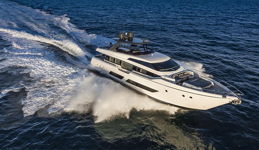 ferretti_850_damonte_yachts