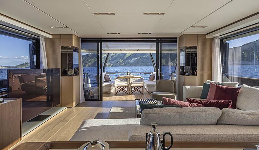 ferretti-1000-saloon-damonte-yachts