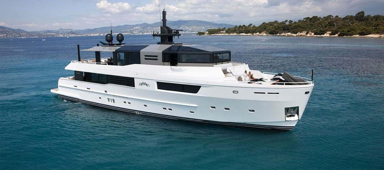 arcadia-115-for-sale-damonteyachts