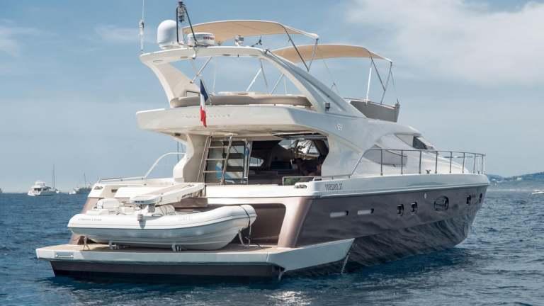 ferretti-620-panthours-damonte-yachts7