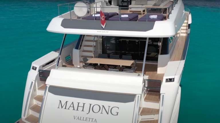 F920-05-cockpit3-mah-jong-damonte-yachts