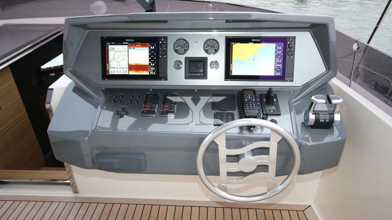 F920-05-fly4-mah-jong-damonte-yachts copie